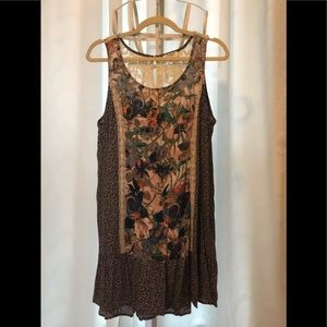 Umgee Floral & lace tunic